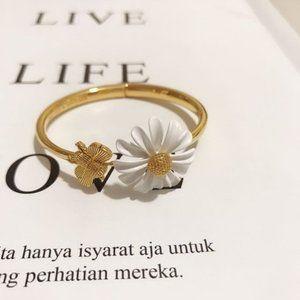 Kate Spade Daisy Bee Open Adjustable Bracelet